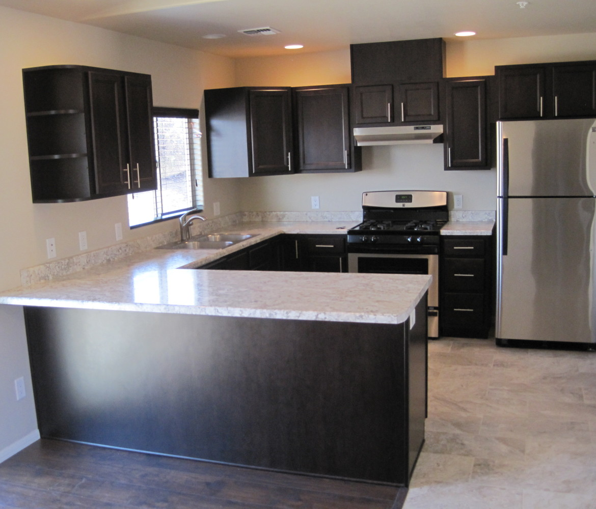 Stainless steel dishwasher, gas stove and refrigerator. For rent Cottonwood, AZ 86326. These are the nicest rental apartments available in Cottonwood AZ