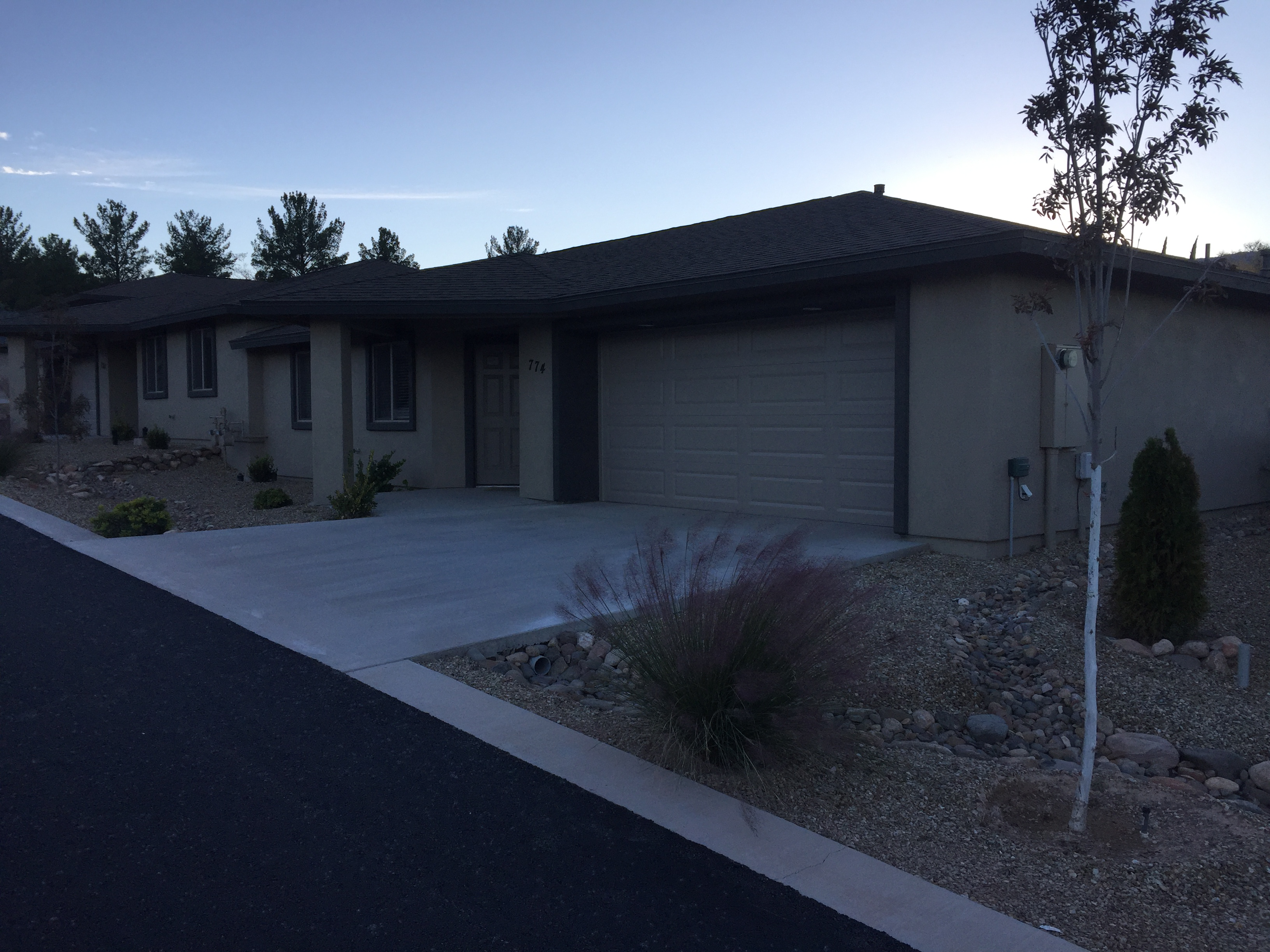 Prime Location: Beautiful, naturally well-lit 2-bedroom 2-bathroom apartment in central Cottonwood. Quiet neighborhood. Close to Safeway, Food City, Wells Fargo and Chase. 5 minutes from the hospital. Walking distance to nearby restaurants. Hardwood flooring throughout